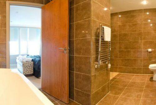 Penthouse bathroom 680x325